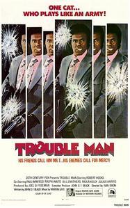 à la 3e dan il sera exactement… Trouble Man vs. Black belt Jones