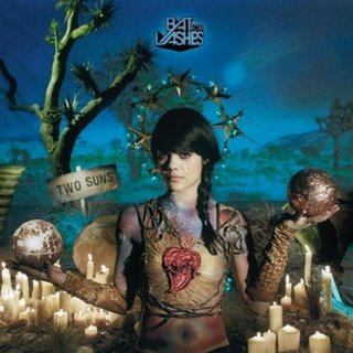 L'ombre affolante de Bat for lashes : Two suns