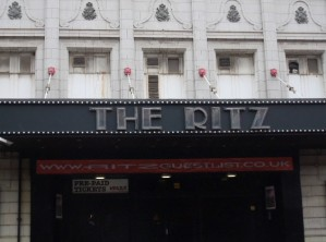 Deux soleils pour le Ritz : Bat for lashes ouvre le bal (the Manchester series #1)