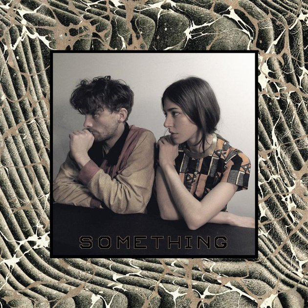 Chairlift, Something : Caroline Polacheck en liberté
